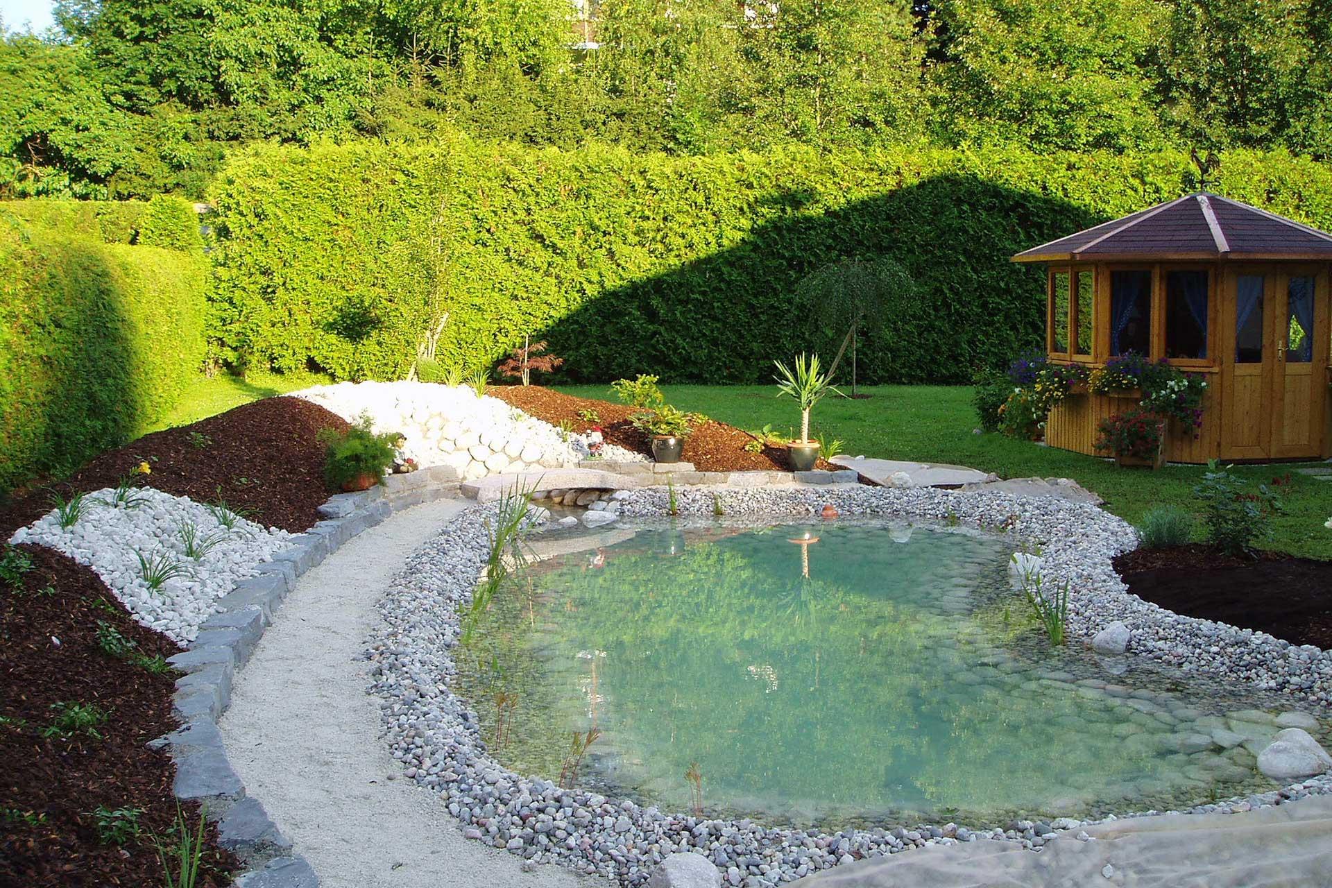 Teich Feuchtbiotop Und Bachlauf Als Gartengestaltung In Oö